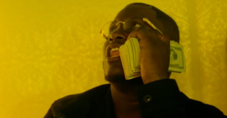 zoey dollaz couches video