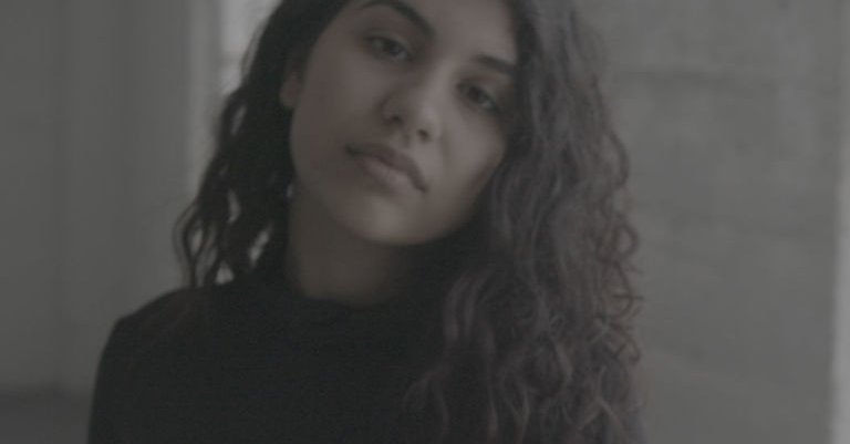 alessia cara scars to your beautiful video
