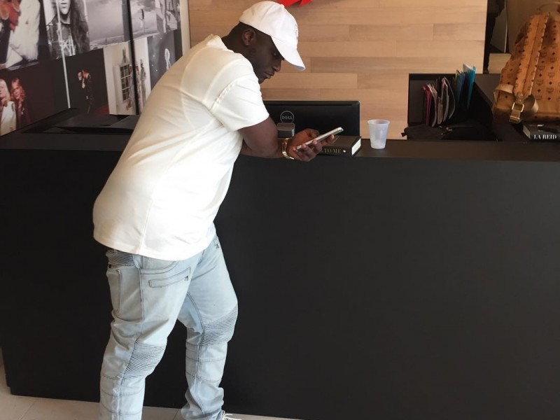 zoey dollaz signs to epic records